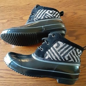Khombu Ankle Boots